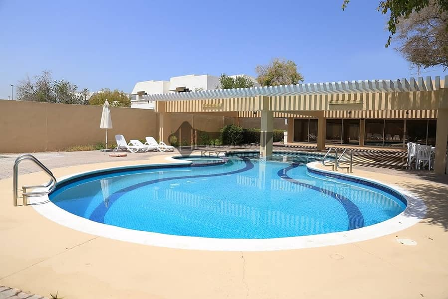 2 Stunning single storey spacious 3BR Bungalow with pool GYM
