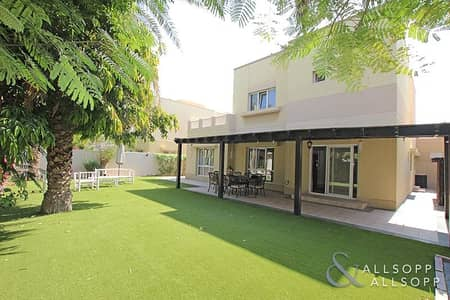 4 Bedroom Villa for Sale in The Meadows, Dubai - Largest 4 Bedroom | Backing Pool and Park