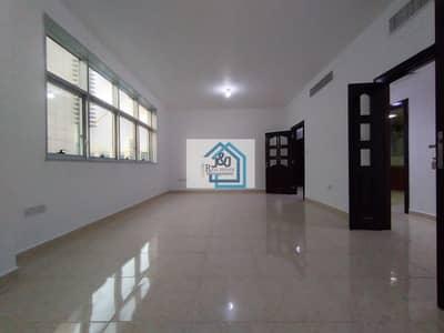 شقة 3 غرف نوم للايجار في آل نهيان، أبوظبي - spacious and stunning 3 BHK apartment with basement parking in al nahayan
