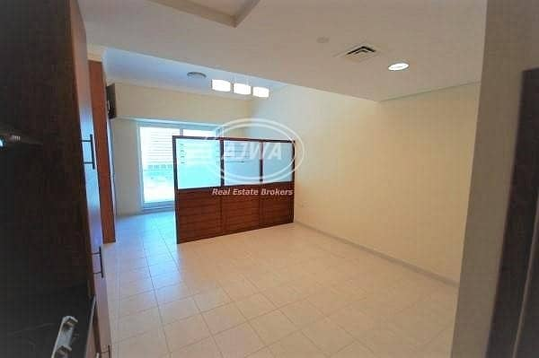 For Sale Studio in Lake Terrace  | Close to Metro