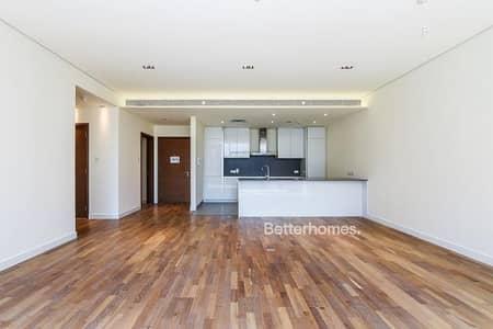مبنى سكني  للبيع في جميرا، دبي - 6% ROI | Full Building | Best location |