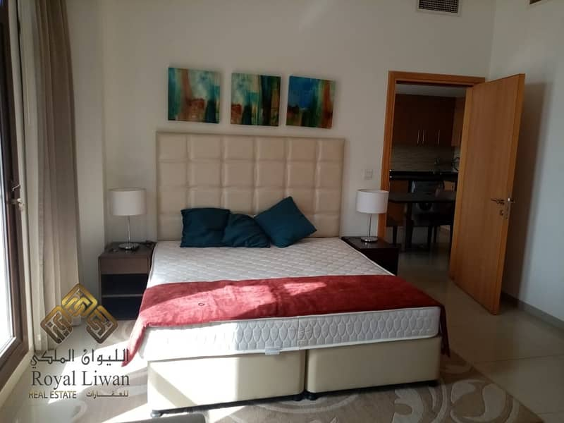 9 1 B/R Fully Furnished in Lincoln Park for Rent