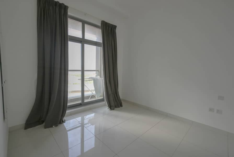 Vacant | Bright 1 BR | Great View