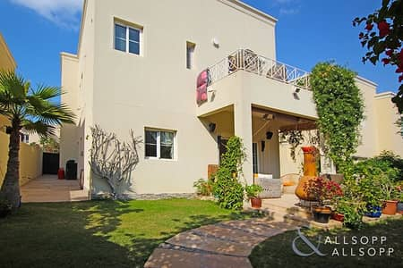 3 Bedroom Villa for Sale in The Lakes, Dubai - Immaculate   Next to Pool and Park   3 Bed
