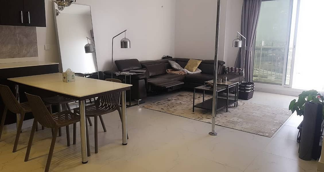 LAVISH 2 BEDROOM APARTMENT AVAILABLE FOR SALE @ 590,000