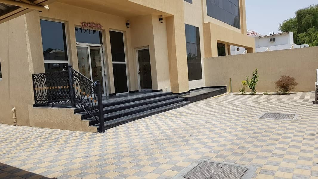 *** SUPERB OFFER – Spacious 5BHK Duplex Villa with garden available in Al Halwan area, Sharjah