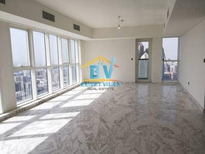شقة 5 غرف نوم للايجار في منطقة الكورنيش، أبوظبي - Luxury and classy Sea View 5BHK Duplex in corniche