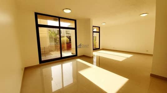 تاون هاوس 3 غرف نوم للايجار في الصفا، دبي - Well maintained 3 bed villa in a Compound