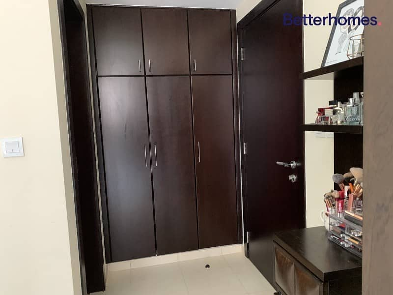 11 Vacant on Transfer| Huge Apartment | Upgraded