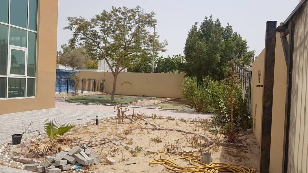 *** Superb Deal - Luxurious 5BHK Duplex Villa with Swimming pool available in Al Azra area, Sharjah