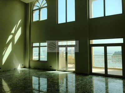 4 Bedroom Penthouse for Rent in Palm Jumeirah, Dubai - 4BR Duplex Penthouse | Full Sea Views | Vacant Now