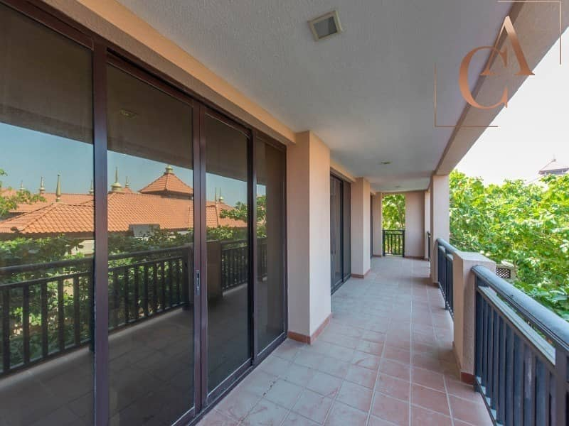28 Furnished 2 Bedroom Apartment I Huge Balcony Space