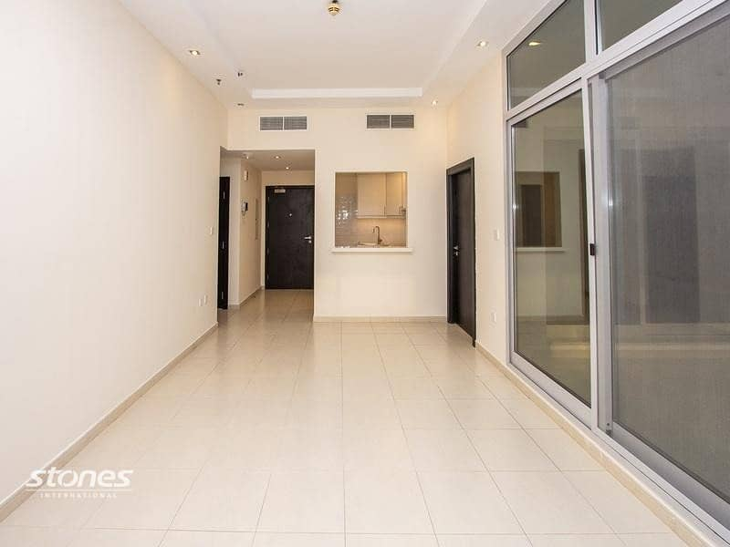 2 Newly Renovated and Classic Style Apartment