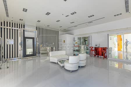 Shop for Sale in DIFC, Dubai - Fully Fitted & Ready to Operate Retail Shop