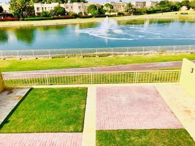 فیلا 3 غرف نوم للايجار في الينابيع، دبي - فیلا في الينابيع 15 الينابيع 3 غرف 140000 درهم - 4705439