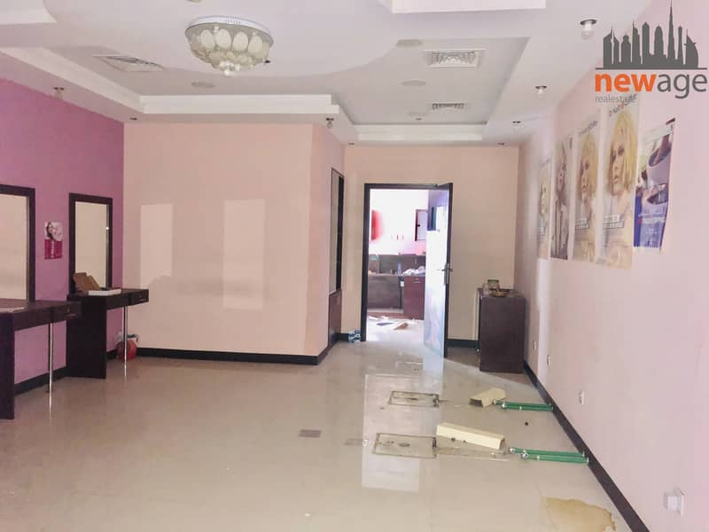2 Ready to Move Retails shop for RENT in The Crescent B IMPZ