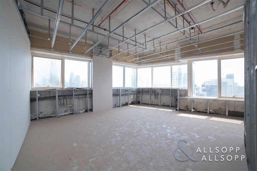 10 Full Floor | Partly Fitted  | Clean Building<BR/><BR/>