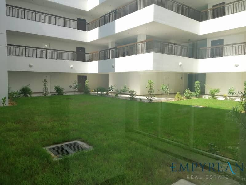 10 Amazing 1BHK | Open Kitchen | Community View