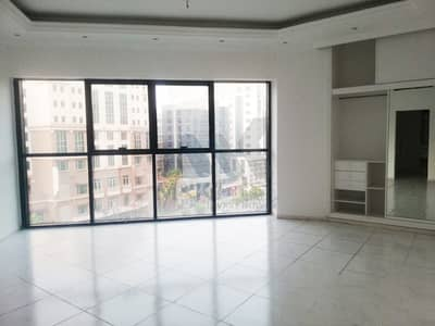 4 Bedroom Apartment for Rent in Deira, Dubai - Chiller Free | 4 bedroom +  Maid's Room | Close to Union Metro