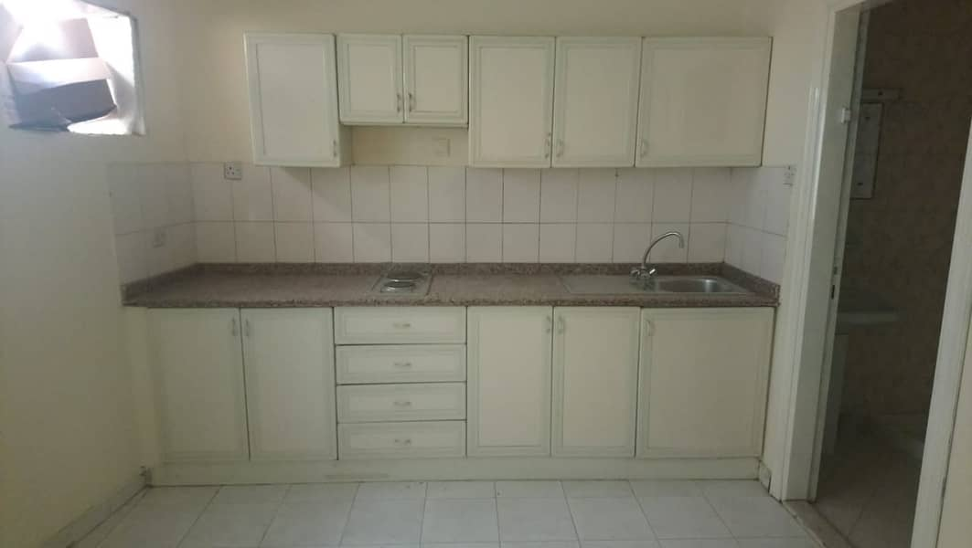 9 STUDIO FLAT AVAILABLE FOR RENT