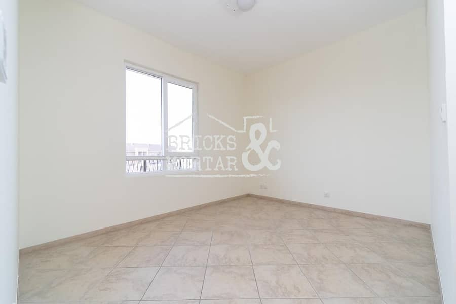 10 Garden View | Well Maintained | 1 Month Free