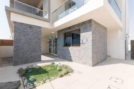 تاون هاوس 2 غرفة نوم للبيع في جزيرة ياس، أبوظبي - Luxutious Brand New TownHouse In Yas Acres