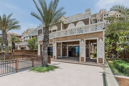 5 Bedroom Villa for Sale in Palm Jumeirah, Dubai - Amazing Villa for Sale|5 bedroom|Needs to be seen|