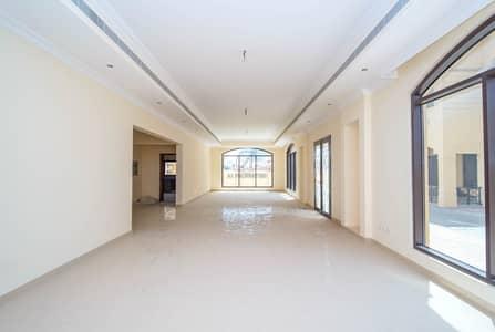 فیلا 6 غرف نوم للايجار في البرشاء، دبي - Close to MOE | 6 Bedrooms |Balcony & Maids Room