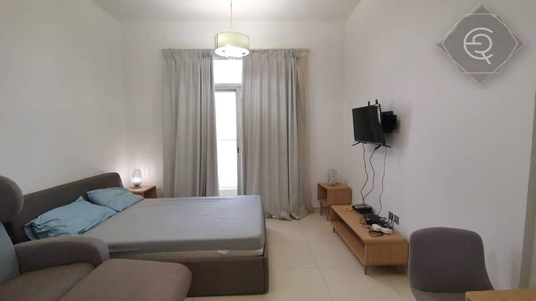 STUDIO with great facilities and quiet area. Near Metro station. New building Clean. Must  View this