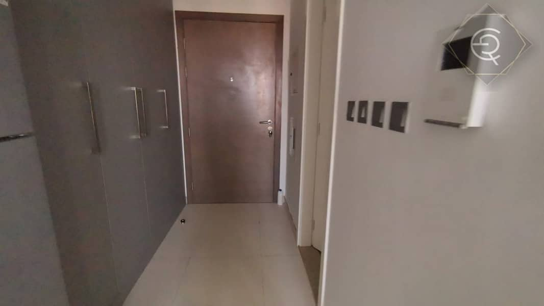 2 STUDIO with great facilities and quiet area. Near Metro station. New building Clean. Must  View this