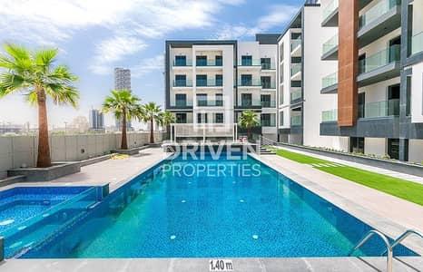 شقة 2 غرفة نوم للايجار في قرية جميرا الدائرية، دبي - Pool View 2 Bed Apartment plus Study Room