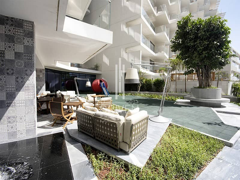 2 Stunning Fully Furnished 2 Bed Apartment