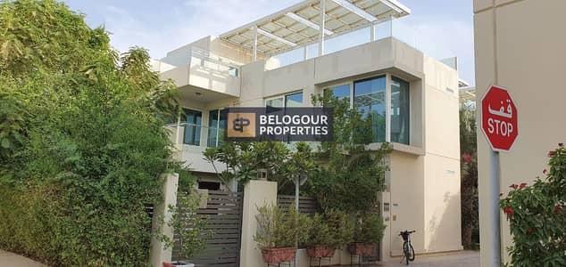 فیلا 4 غرف نوم للايجار في المدينة المستدامة، دبي - Corner Unit /Well maintain Garden'/Near to Entry
