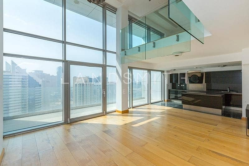 Well-Kept and Bright 1BR Penthouse with Nice View