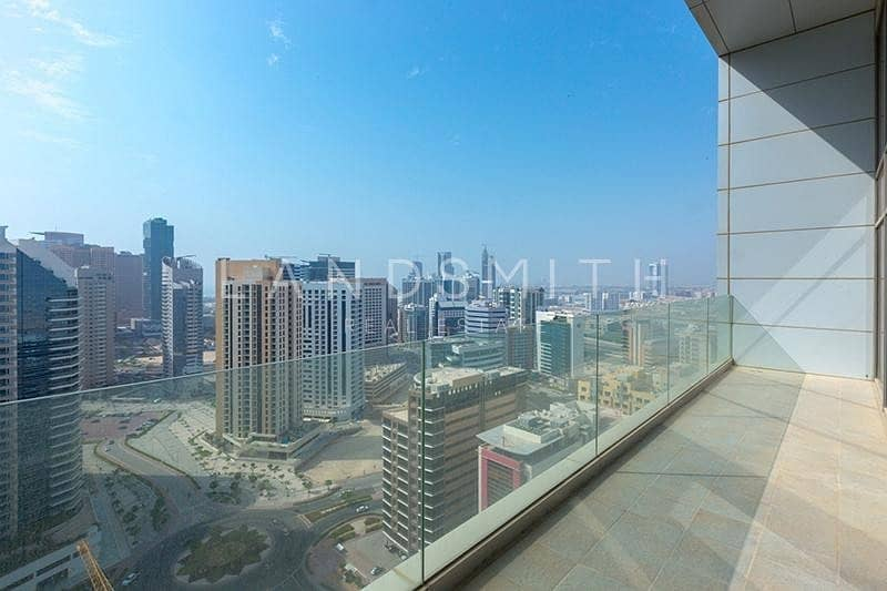 2 Well-Kept and Bright 1BR Penthouse with Nice View