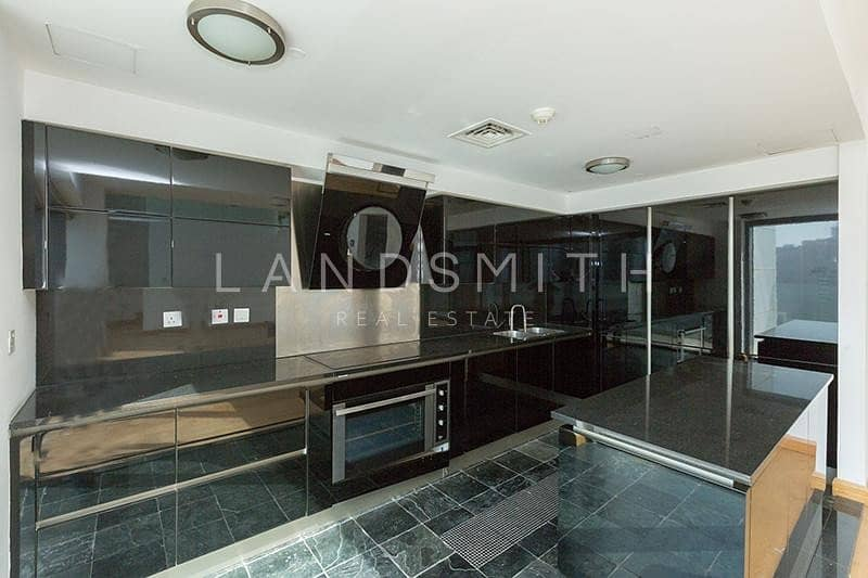 21 Well-Kept and Bright 1BR Penthouse with Nice View