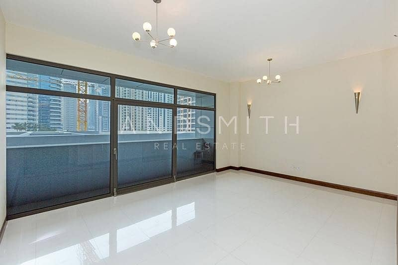 Ready to Move In Spacious 1BR Low Floor Apartment