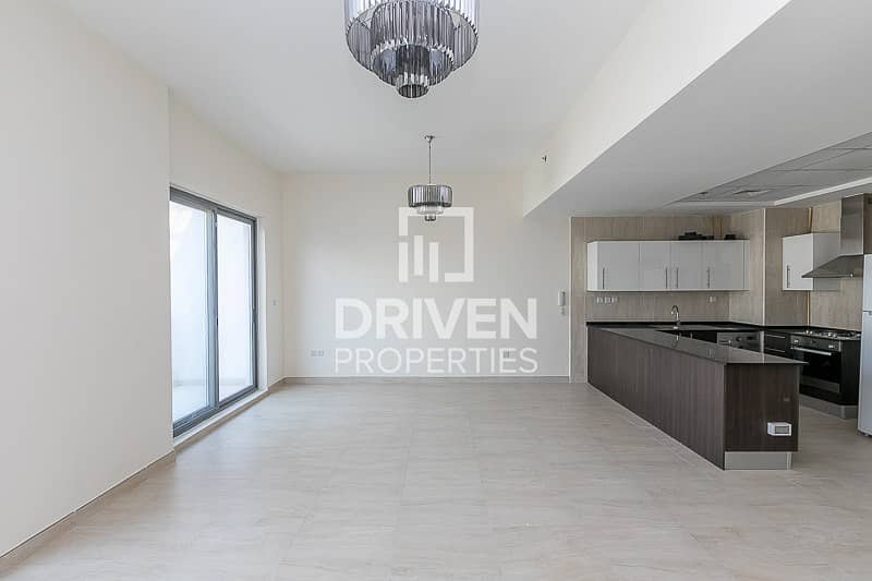 2 Spacious 1 Bedroom Apt with Chiller free