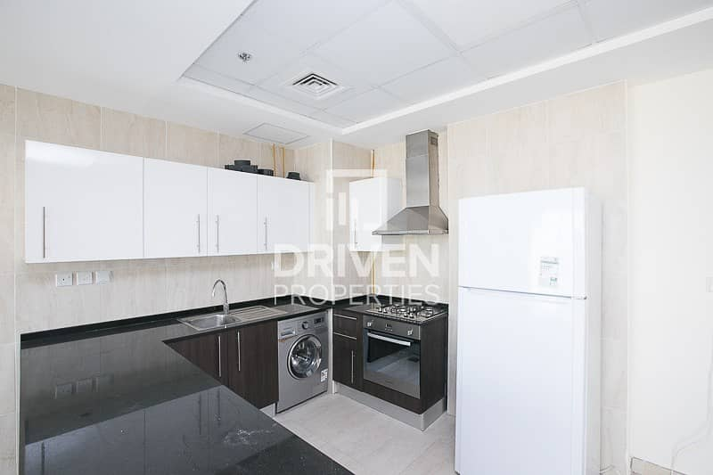 16 Spacious 1 Bedroom Apt with Chiller free