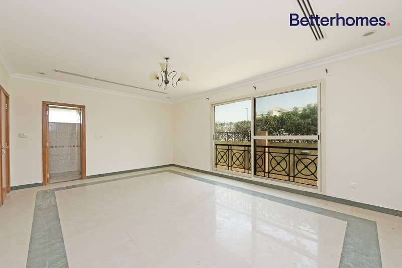 2 Very well maintained compound of 2 villa's