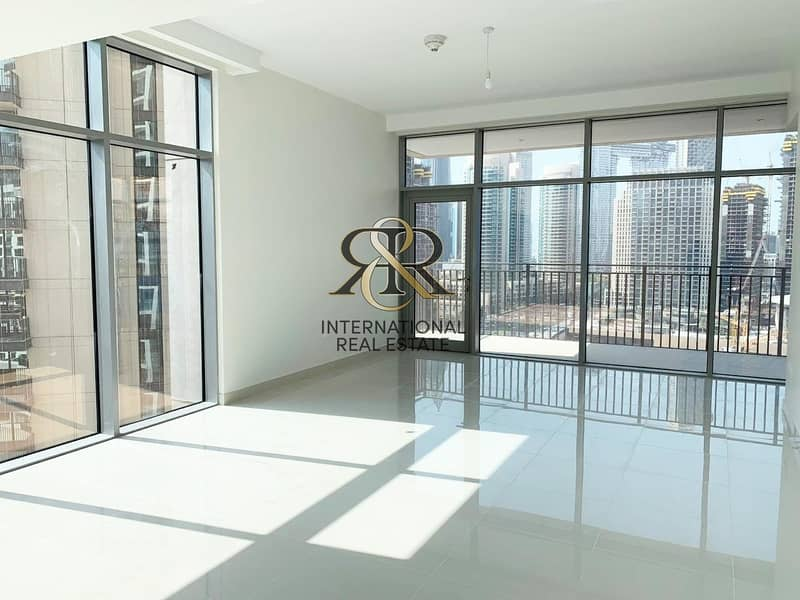 Spacious 2 Bedrooms with Balcony