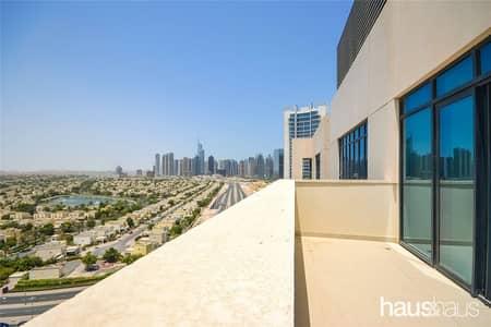 شقة 2 غرفة نوم للايجار في التلال، دبي - Bright Unit   Cheques Negotiable   Big Garden  