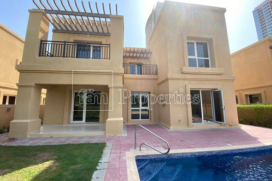 4 Bed Golf villa/ 14 months/Pool/Free Golf/Vacant