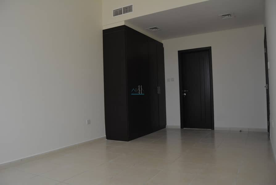 Brand New  !!! Spacious 1 Bedroom+Laundry in farah 4 building
