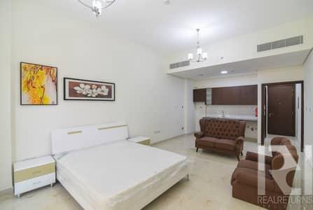 طابق سكني  للايجار في المدينة العالمية، دبي - Full floor available with Full maintenance covered