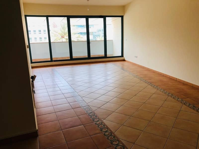 ! READY TO MOVE ! SPACIOUS AND ELEGANT 2 BHK IN SATWA