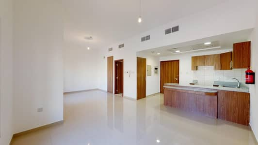 Studio for Rent in Remraam, Dubai - Shared pool & gym | Cycling tracks | 12 payments
