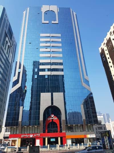 شقة 2 غرفة نوم للايجار في شارع حمدان، أبوظبي - شقة في برج حمدان شارع حمدان 2 غرف 60000 درهم - 4707550