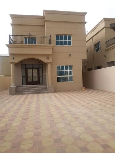 Brand New 5bedroom villa in Rawda for rent