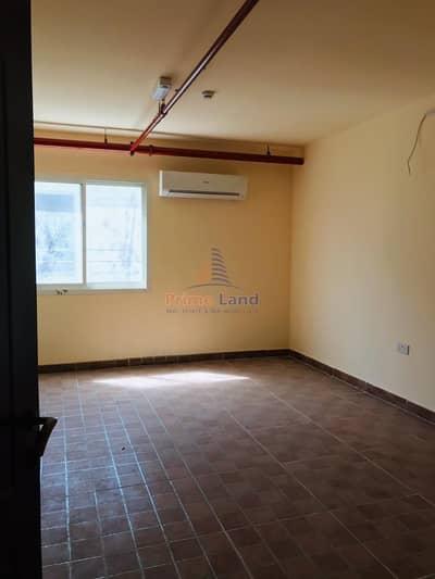 سكن عمال  للايجار في مصفح، أبوظبي - Neat & Clean Rooms